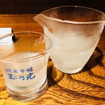 品川牡蠣入レ時 - 純米吟醸 玉乃光をみぞれ酒で(940円)