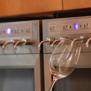 シニアソムリエが常駐。高級ワインの飲み比べも!