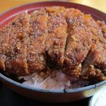 柏屋食堂 - 上名代ソースかつ丼(ロース厚切り)のアップ