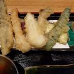 天ぷらと旬の肴 田丸 天神橋店 - サクサクの天ぷら