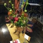 アルチザン・パティシエ・イタバシ - いつも綺麗な生け花