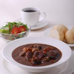 cafe KITAMON - 料理写真:県内情報誌「ふぃ~らぁ」などで紹介されたビーフシチューはドリンク付きがお得です