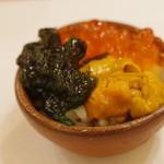 鮨処ひと志 - 海胆、生海苔、いくら小丼
