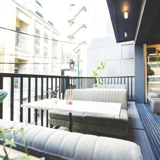 ◇全60席◇お洒落なカフェの様な店内は、開放的な雰囲気です◎
