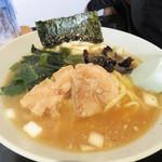 ヤキニクラーメンフタバ - ラーメン700円。情報によると、東京都品川区にかつてあった『イレブンフーズ』というラーメンをリスペクト再現したものみたいです。