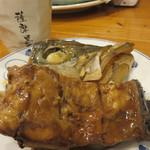 親父の料理 - ヒラマサのあら煮。味も濃すぎず、家庭的で美味しかったです。