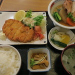 千寿 - 料理写真:とんかつ定食(1200円)