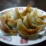 大貫 - 手包み餃子、モチモチ皮でニラとにんにくのアクセント美味し!