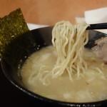 らー麺 鉄山靠 - 太麺
