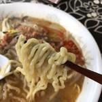 ラーメン 天狗山 - 麺アップ