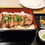 WAGYU AND RACLETTE NIGIRO - 神戸牛ステーキ重