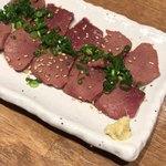 博多筑紫口 肉寿司 - 低温調理したレバ刺し