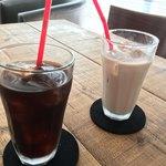 新町スフレ - アイスコーヒーとアイスココア