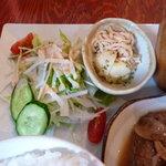 2tone cafe - サラダと小鉢
