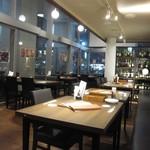 Bar&Cafe 炭火焼 ドン・ガバチョ - 2018年の内観(1階)