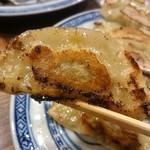 手包み餃子バル CHANJA - 手包み焼き餃子
