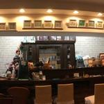カフェ&バル 隠れ屋 -