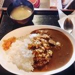 珈琲談義所嶋屋 - 料理写真:ビーフカレー様、味噌汁付きって良いねw