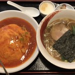 龍泉飯店 - 天津丼+半ラーメン ¥950