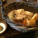 テオドーラ - 自家製のパン