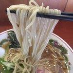 麺処ほん田 - 低加水ストレート中細麺