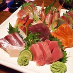 Endo Japanese Restaurant - 料理写真:1802_Endo Japanese Restaurant_刺身盛合せ(2~3人前 12種)@320,000Rp