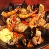 俺のスパニッシュ - 料理写真:魚介と鶏肉のパエリア