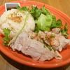 パパイヤリーフ - 料理写真:カオ・マン・ガイ (タイ風チキンライス)