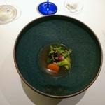 81857245 - シャポー鶏のスープに鶏のつくねや根菜