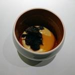 81857247 - 安納芋のムースに菊鮨のフリット、黒トリュフ