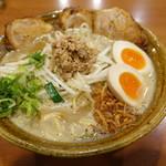 麺屋 蔵の助 - 料理写真:チャーシュー、味玉、麺大盛