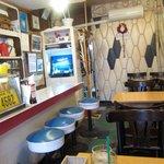 喫茶パーラー ふるさと - 歴史のありそうな店内