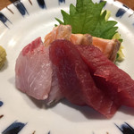 徳田酒店 - お造り三種盛り\490