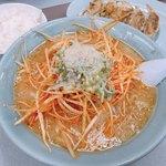 くるまやラーメン - 料理写真:ねぎみそ(ニンニク多め) 850円 餃子 350円 ライス 0円