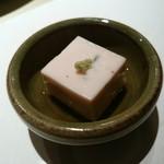 不二楼 - 桜豆腐