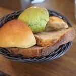 クロスロード ベーカリー - 自家製パン