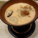 81884986 - 茶碗蒸し…京都の大黒しめじ・ 札幌黄・インカのめざめ・モッツレァチーズ入り