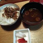 神楽坂 和らく - じゃこ飯、赤出し、漬け物