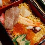 侍寿し - 料理写真:ちらし寿司の様子