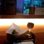 Cafe 茶洒 kanetanaka - フォアグラフライ、赤ワイン(ベリンジャー)