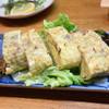 太郎 - 料理写真:玉子を4個使っただし巻き玉子は絶品で値段は驚きの300円なり