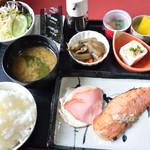 貴 - 朝定食(550円)