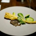 クレモンティーヌ・ビス - ?のタプナードソースと菜の花のソース