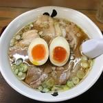 花鳥風月 - チャーシューワンタン麺に味玉