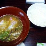 松屋旅館 - ご飯の上に掛けて食べます