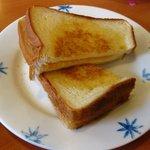デニーズ - 選べるサラダモーニングセット\680の「パン」