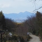 笠そば処 - 大神神社からの二上山