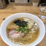 81908878 - 特製ワンタン麺(白だし・ハーフ)