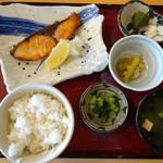 食事処ひらね - 料理写真:寒ぶり塩焼き定食