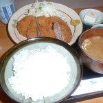 たなかや食事処 - ミックス定食(680円)で゛ございます。